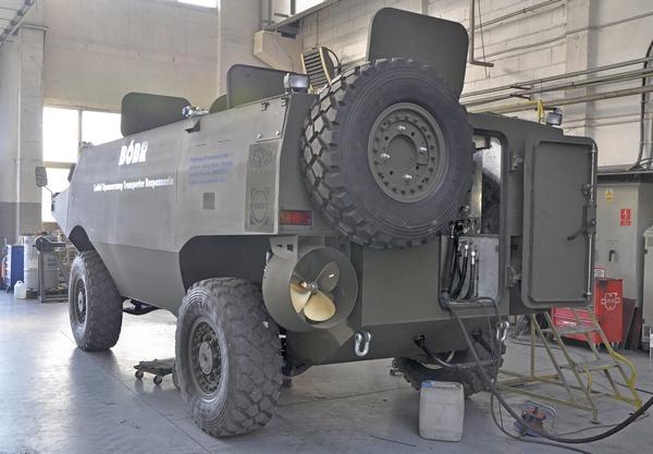 Transporter opancerzony AMZ Bóbr 2