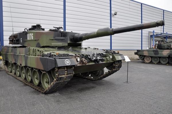 Leopard 2A4_02